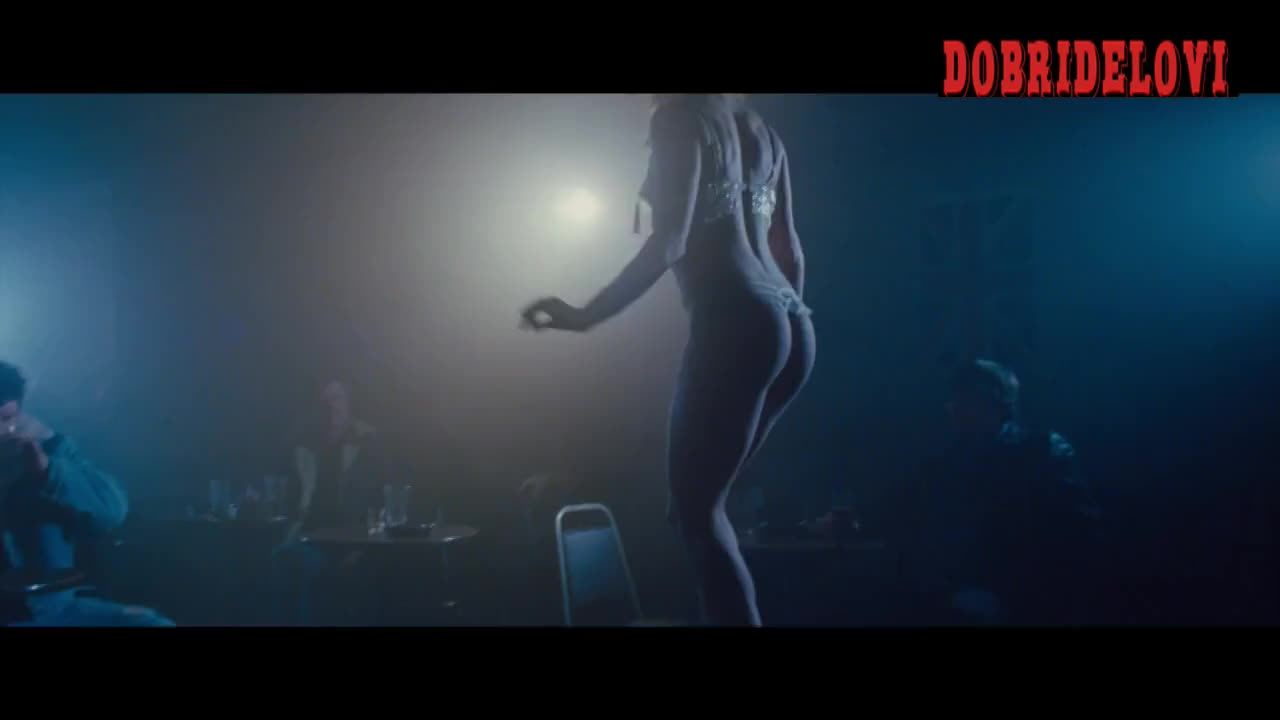 Watch Amy Adams sexy scene from American Hustle video
