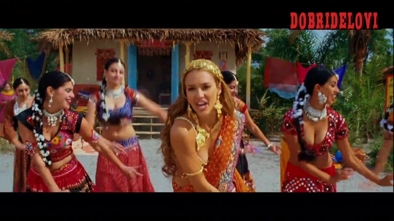 Jessica Alba bollywood dancing scene from The Love Guru