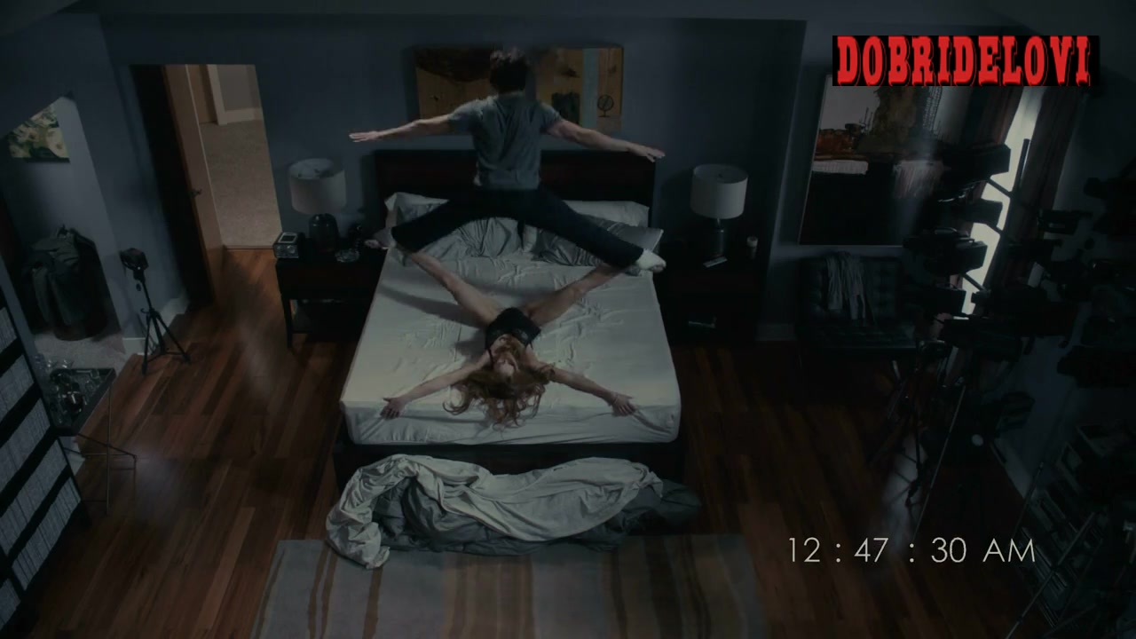 Lindsay Lohan, doubled by Elizabeth Davidovich, in bed with Charlie Sheen scene from Scary Movie