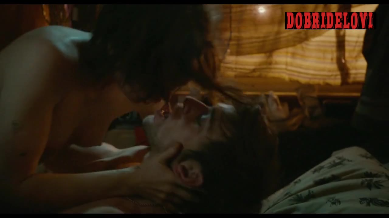 Ellen Page undress and rolls in bed with dude scene from Tallulah