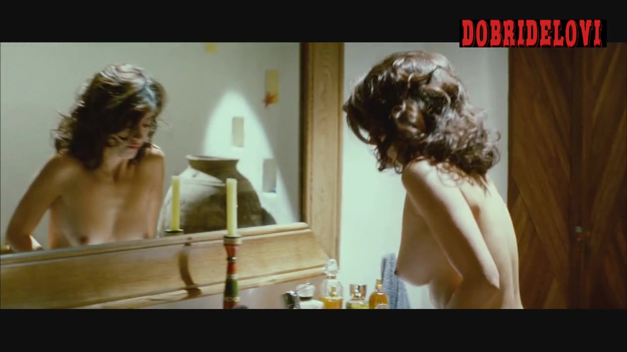 Penélope Cruz crying and vomiting nude scene from Broken Embraces