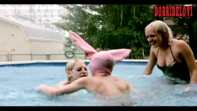 Chloë Sevigny lesbian threesome in the rain scene from Gummo