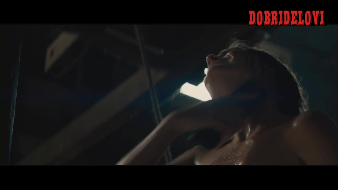 Margot Robbie bathtub scene from Z for Zachariah