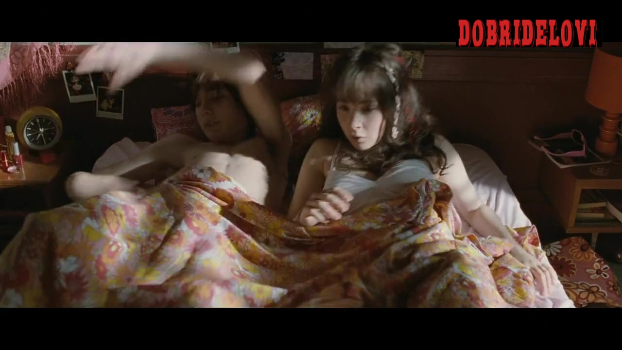 Juno Temple gets out of bed scene from Mr. Nobody