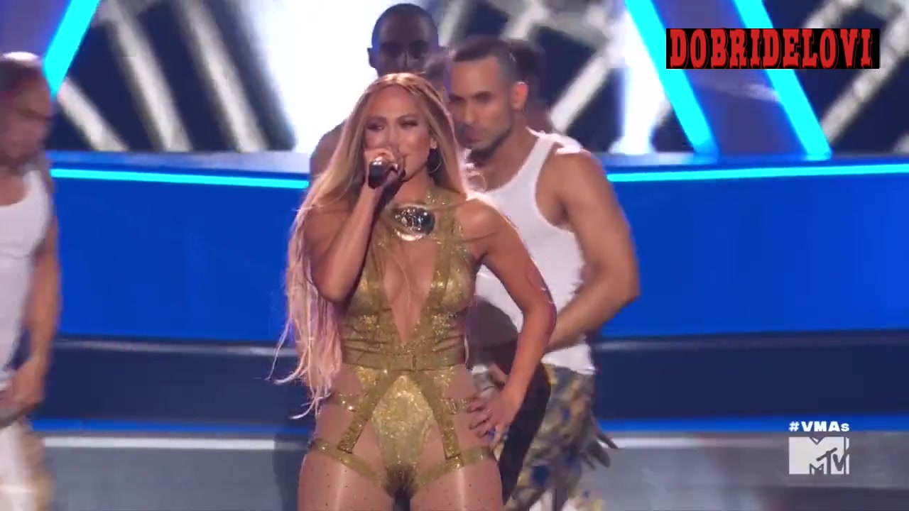 Jennifer Lopez performing on stage in MTV Video Music Awards