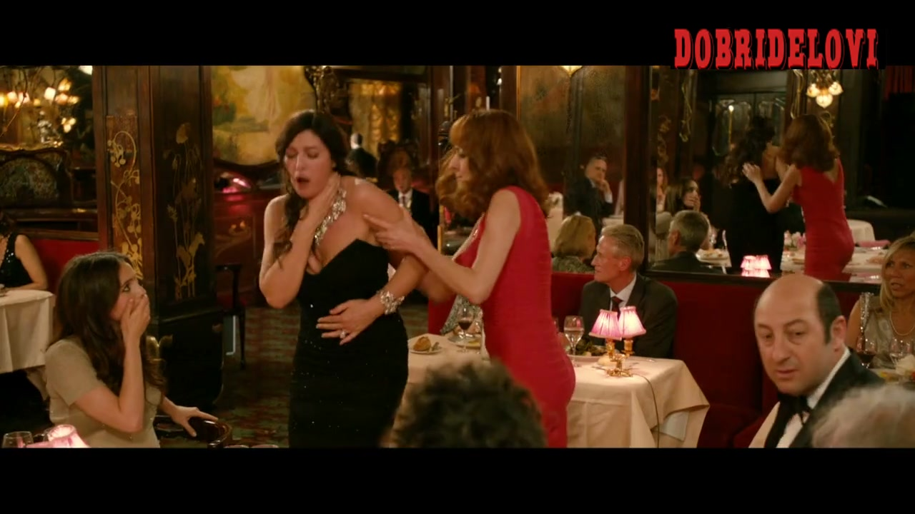 Monica Bellucci choking scene from Des Gens qui S'embrassent
