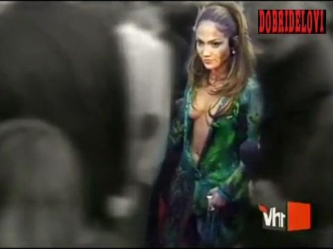 Jennifer Lopez famous green dress appearance -- VH1's 100 Greatest Red Carpet Moments