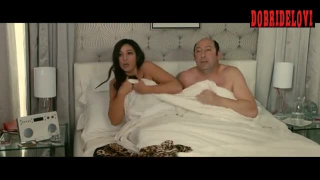 Monica Bellucci caught having sex with Kad Merad scene from Des Gens Qui S'embrassent