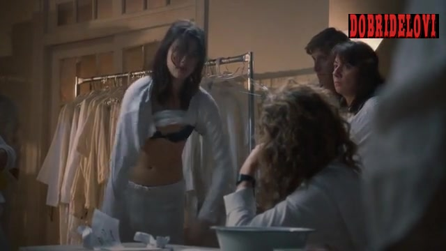 Watch Margaret Qualley undressing scene from The Leftovers video