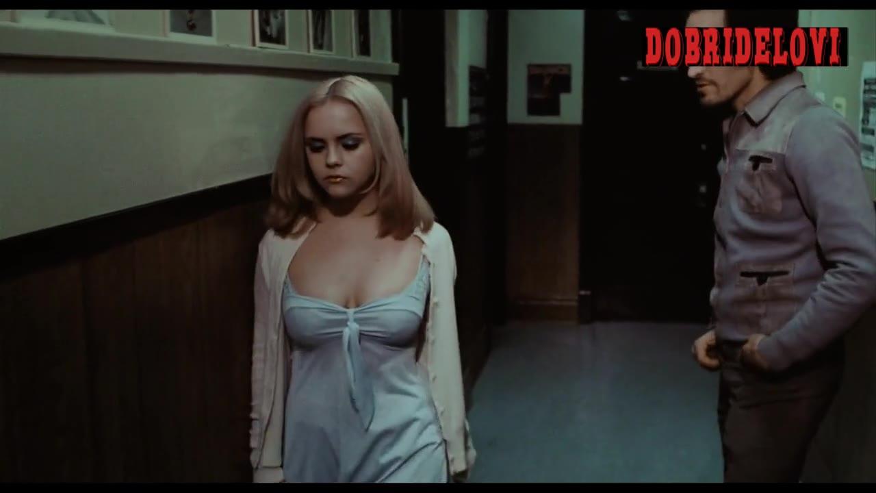 Christina Ricci screaming in hallway scene from Buffalo '66
