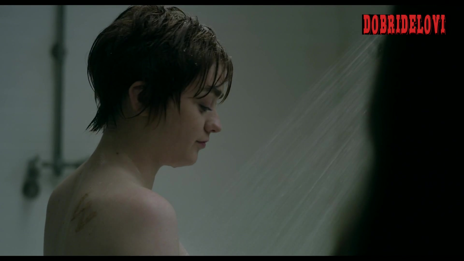 Watch Maisie Williams and Blu Hunt shower scene from The New Mutants video