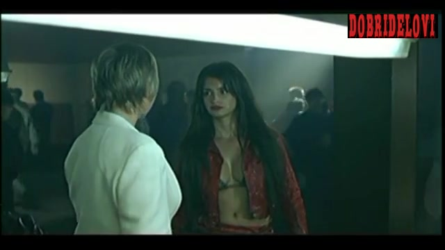 Penélope Cruz red leather jacket scene from Don't Tempt Me