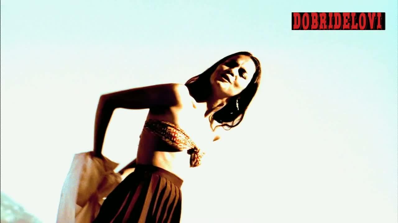 Alice Braga undressing and posing scene from City of God