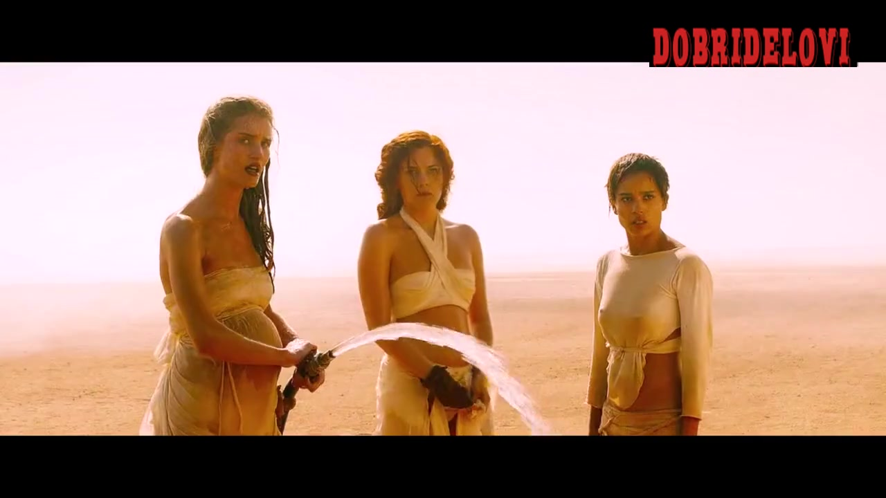 Courtney Eaton, Rosie Huntington-Whiteley, Riley Keough, Abbey Lee, Zoë Kravitz held at gunpoint - Mad Max: Fury Road