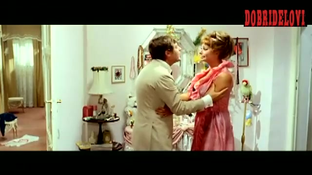 Sophia Loren pink dress scene from Yesterday, Today and Tomorrow