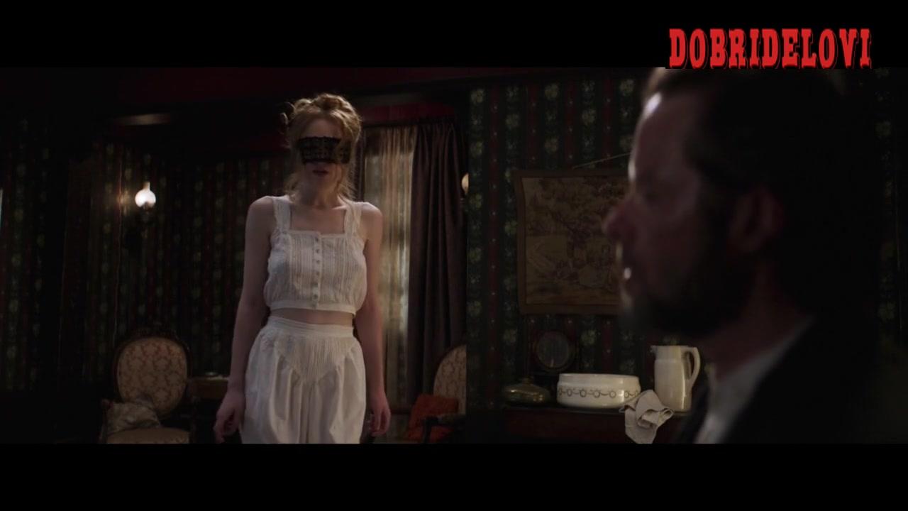 Dakota Fanning blindfolded for Guy Pearce scene from Brimstone