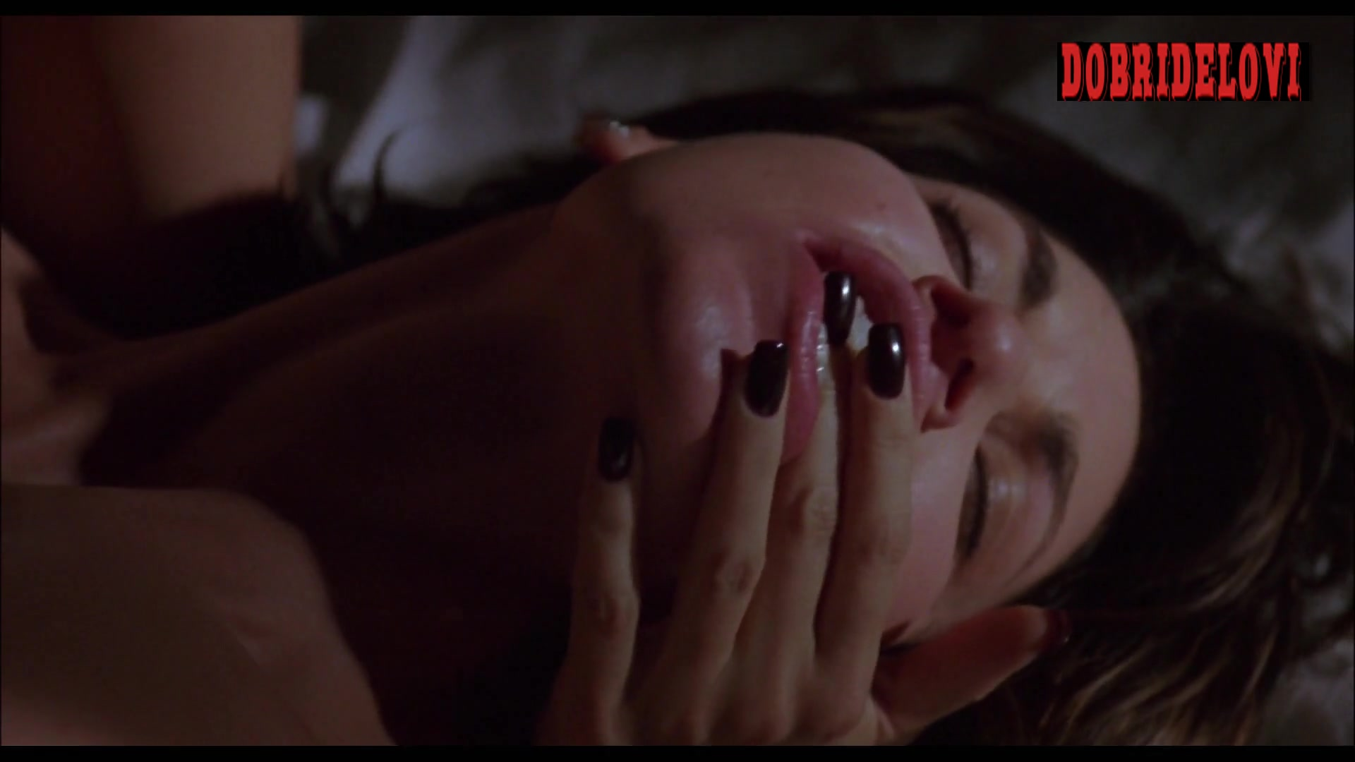 Gina Gershon and Jennifer Tilly lesbian scene from Bound