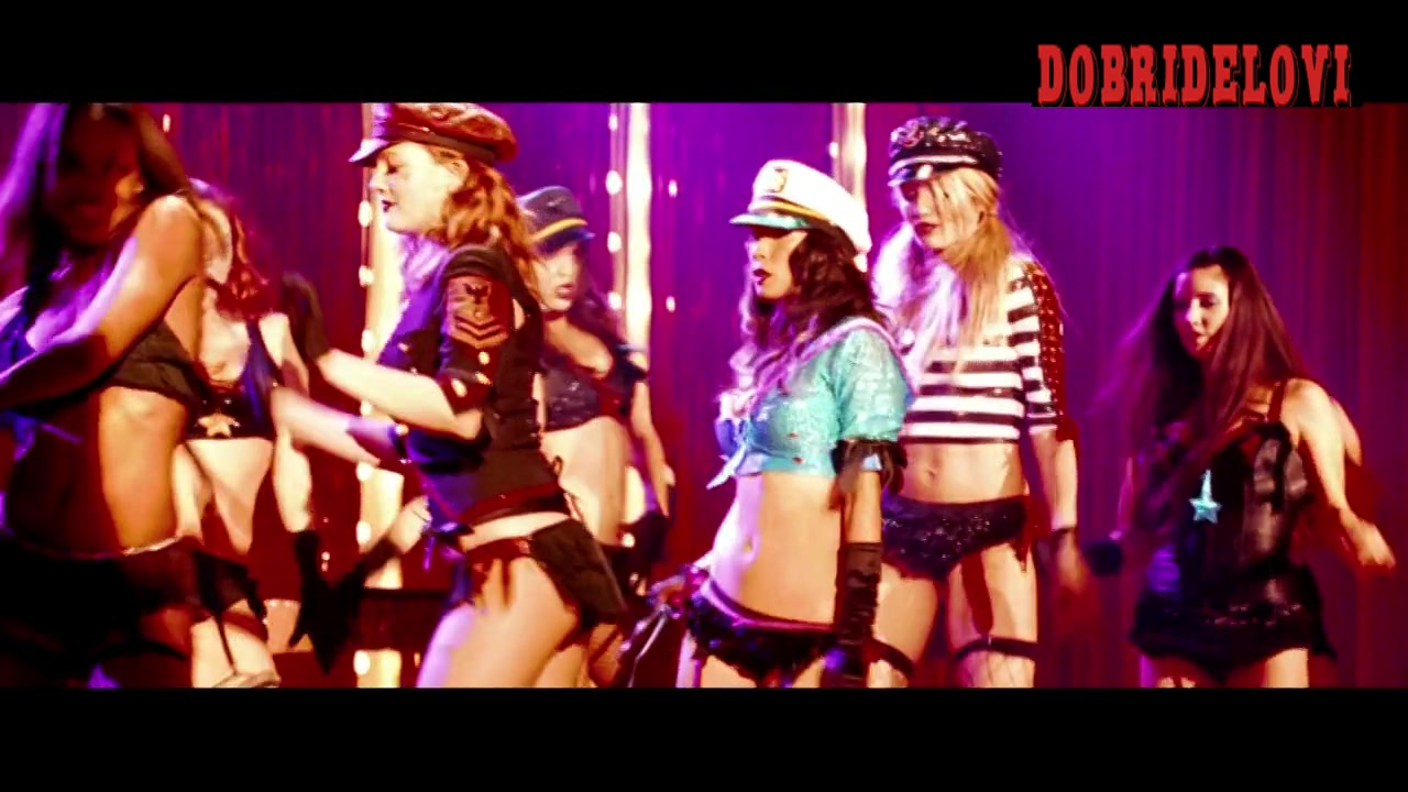 Drew Barrymore, Lucy Liu and Cameron Diaz burlesque scene from Charlie's Angels: Full Throttle