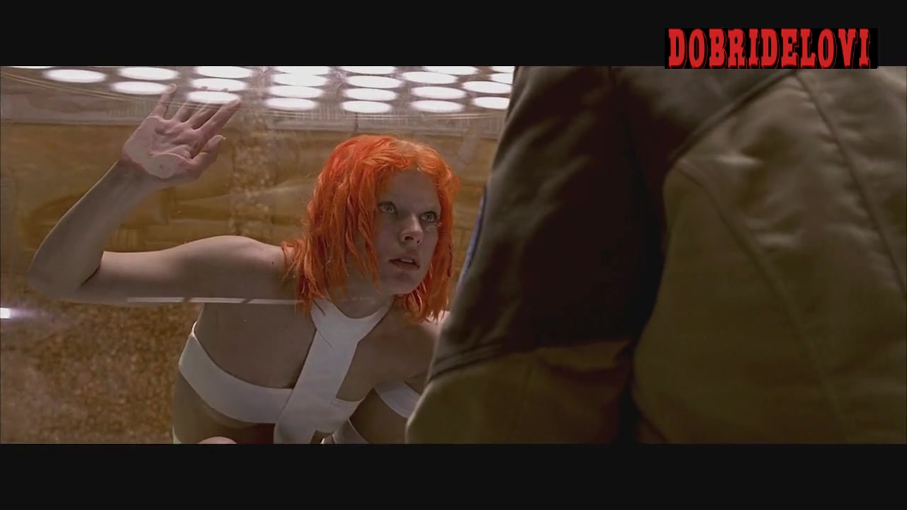 Watch Milla Jovovich trying to escape scene from The Fifth Element video