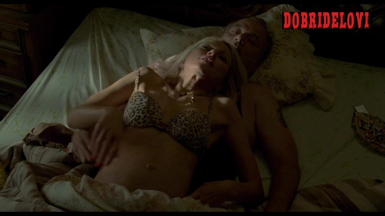 Naomi Watts rides Bill Murray in bed scene from St. Vincent