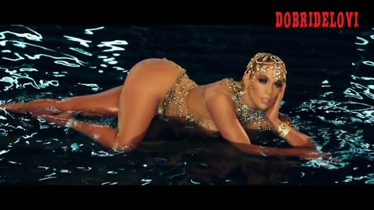 Jennifer Lopez music video El Anillo