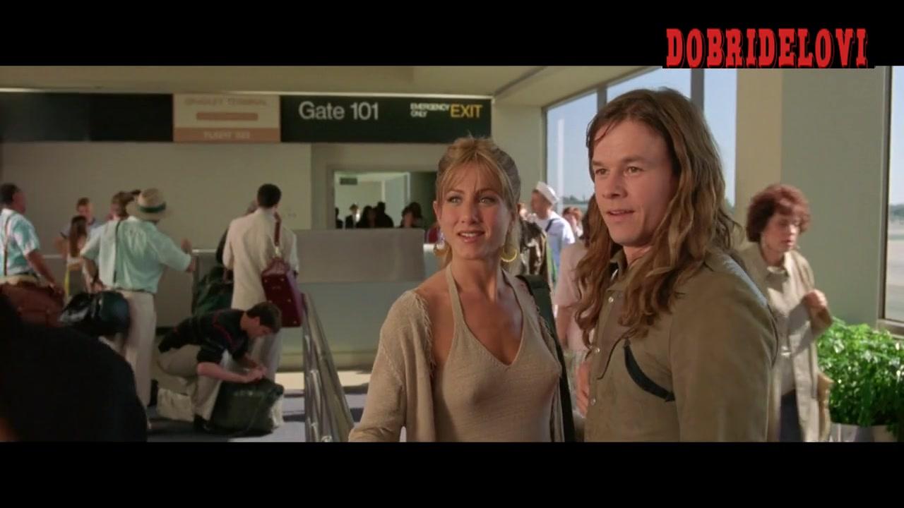 Jennifer Aniston pokies on airport scene from Rock Star