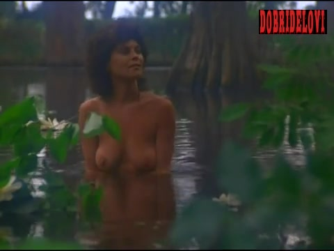 Adrienne Barbeau washing self scene from Swamp Thing