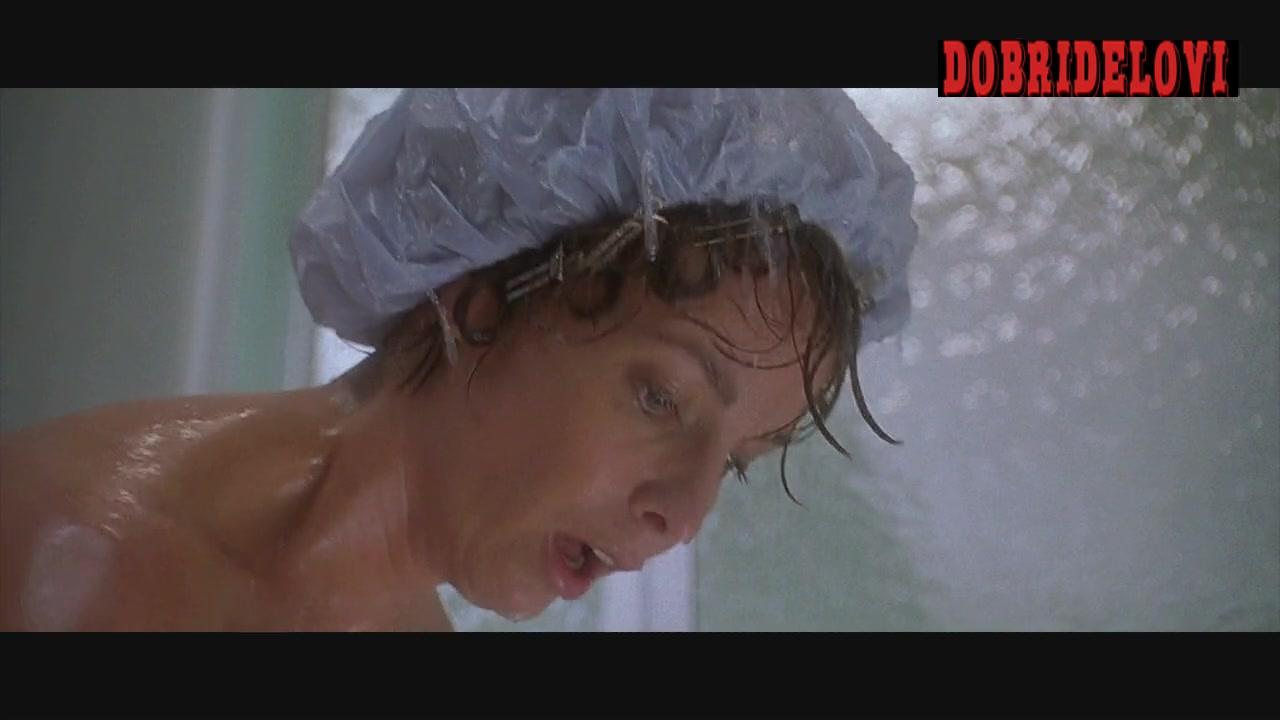 Watch Kathleen Quinlan shower scene from Apollo 13 video