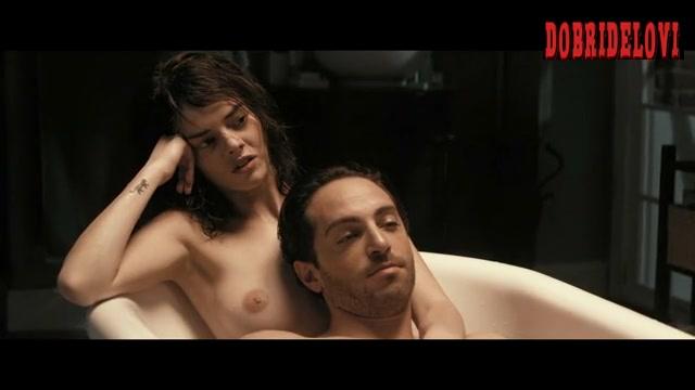 Watch Samara Weaving bathtub scene from Last Moment of Clarity video