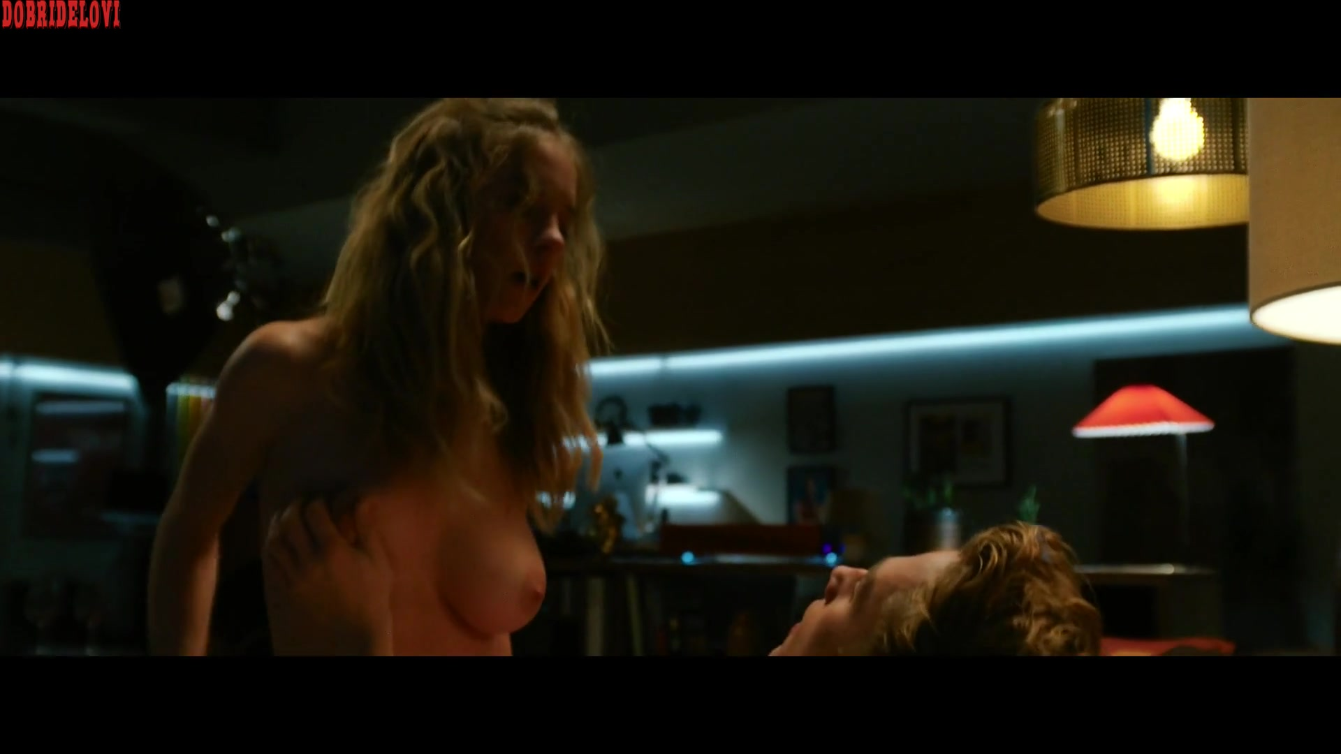 Sydney Sweeney gets oral sex and rides Ben Hardy in the couch