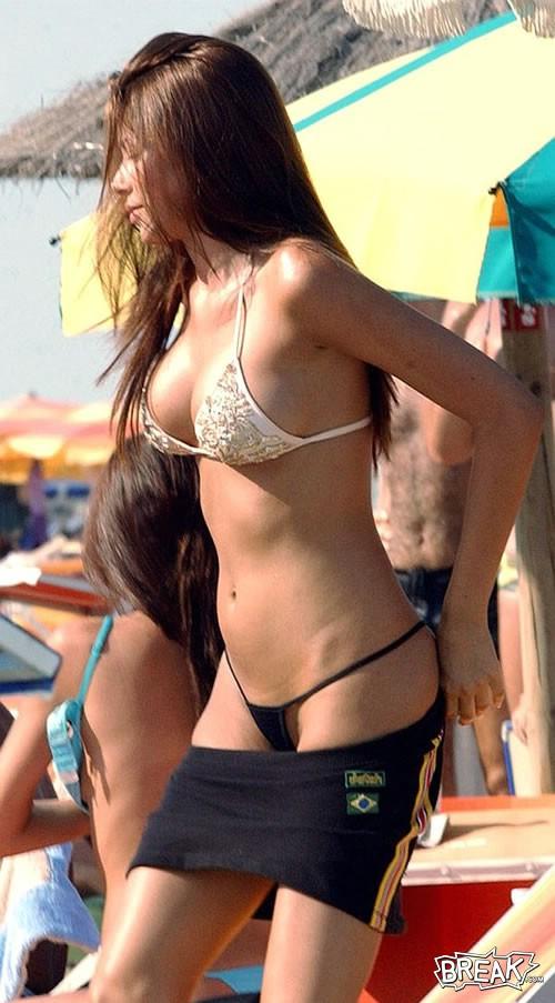 Aida in bikini