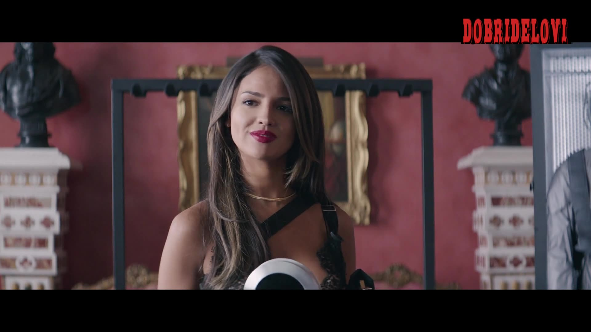 Eiza González sexy distributing guns to Dwayne and Statham
