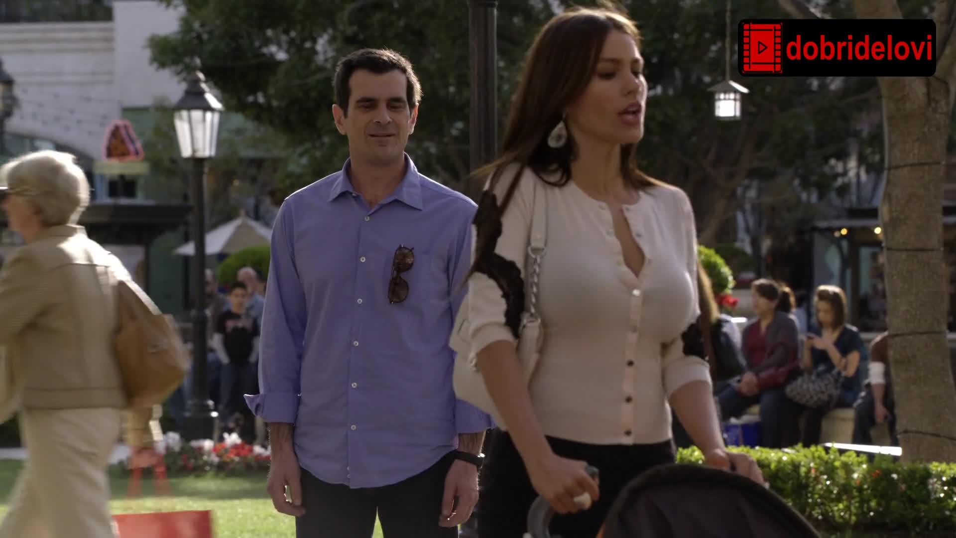 Sofia Vergara pushing the stroller scene from Modern Family