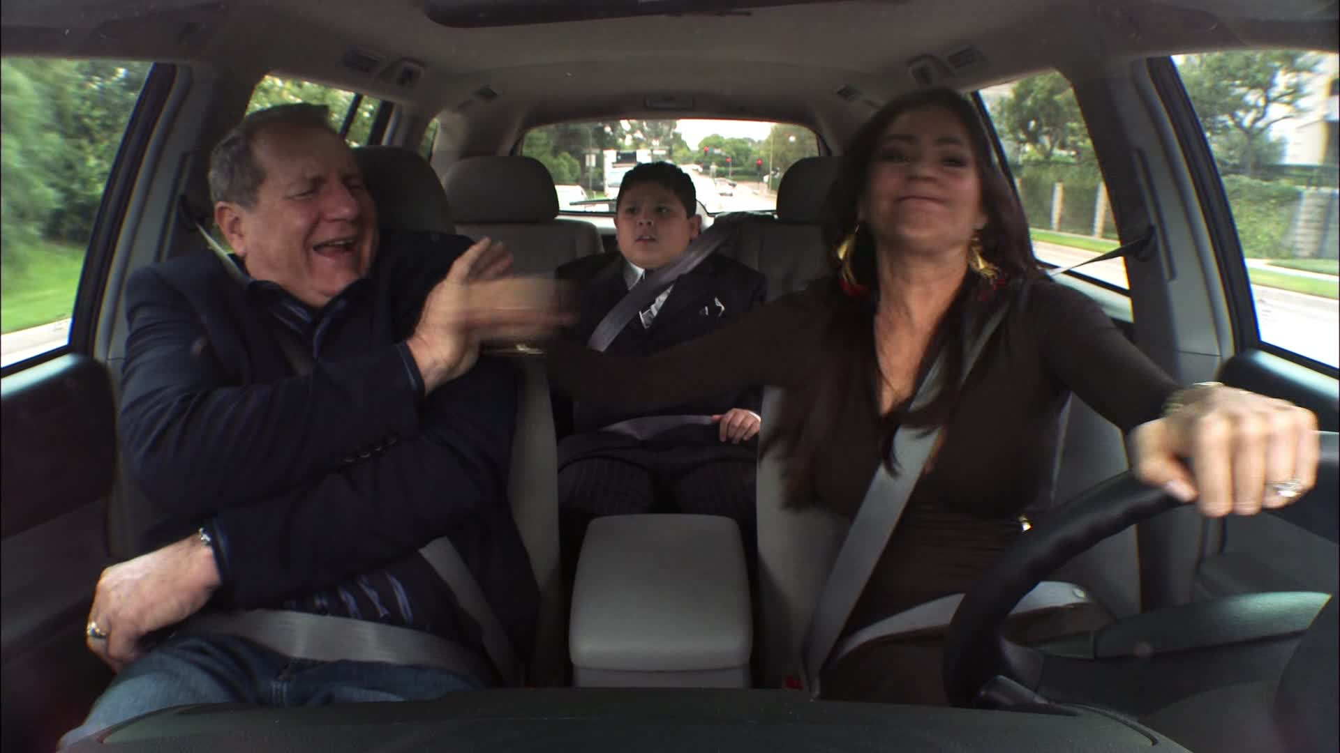 Sofia Vergara tamper tantrum driving scene from Modern Family